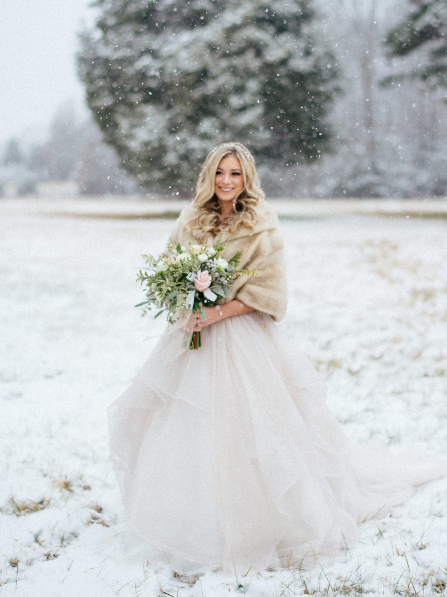 KimStockwellAshleyandMattMoraisVIneyardWedding218 Winter Weddings - A Snow Fairy Tale